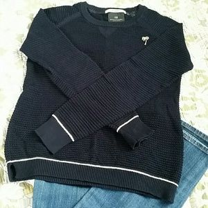 Sweaters - Light weight long sleeve sweater